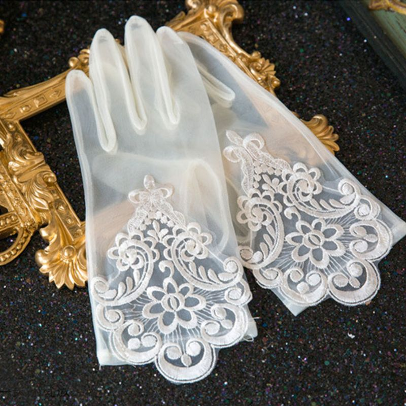 Glamour Bride Dress Gloves Lace Short Paragraph Mittens Wedding Dresses Accessories Charming Lady Women Glove with Fingers
