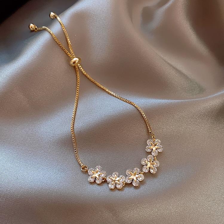 2020 Korean new design fashion jewelry high-end luxury flower zircon adjustable female prom party bracelet 4