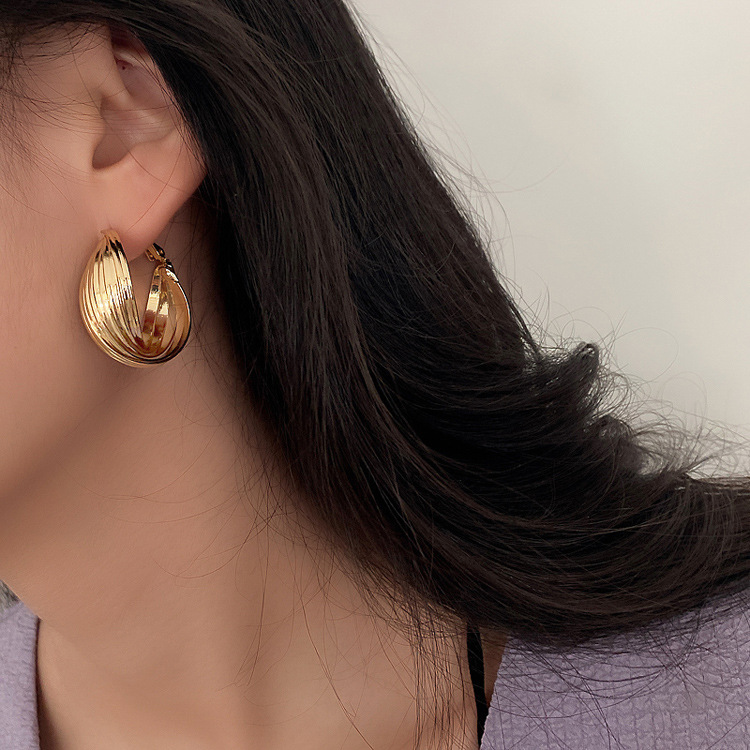 Gold Hoop Earrings for Women 2020 New Fashion Stainless Steel Gold Geometric Earings for Pary Europe Krean Trendy Female Style