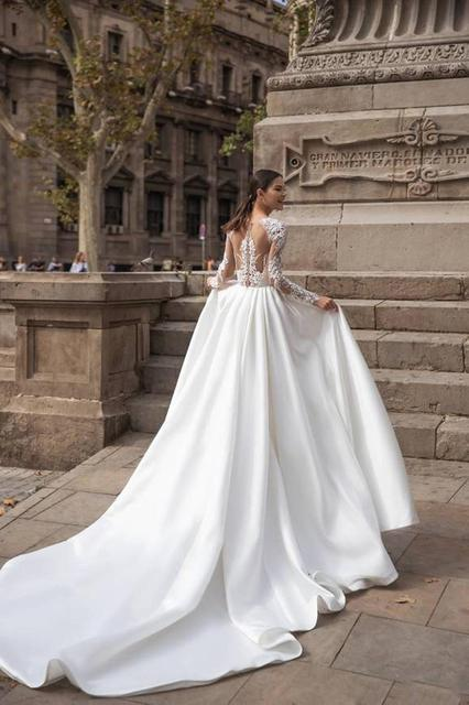 White A Line Wedding Dresses Boho Soft Satin Beach Bridal Gowns O-Neck Lace Princess Party Gowns Long Sleeves Bride Dress 2021 2