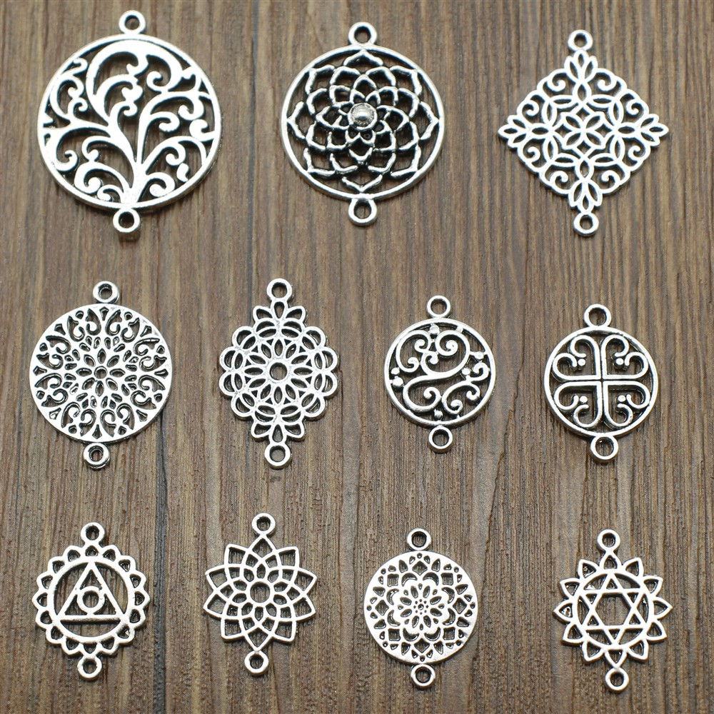 20pcs Vintage Silver Alloy Floral Round Ring Pendant Charms Jewelry Accessories