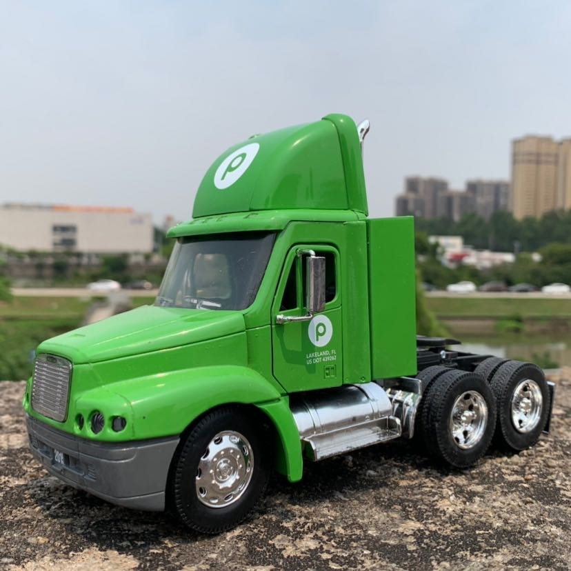 NEWRAY 1/32 Scale Truck Model Freightliner Century Class Truck 20cm Length Diecast Metal Car Model Toy For Gift,Kids