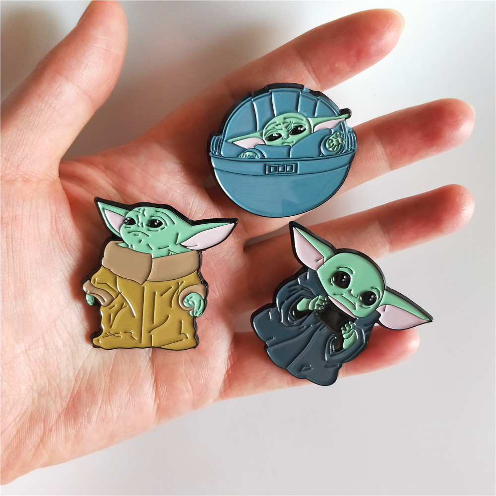 New The Mandalorian Baby Yoda Hard Enamel Pins Brooches For Women Yoda Baby Lapel Pin Badge Star Wars Cute Enamel Badge Backpack
