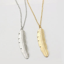 Simple Alloy Leaf Pendant Ladies Choker Necklace Creative Vintage Feather Long Sweater Chain Necklace Fashion Jewelry Gifts black leaf pendant cord choker necklace