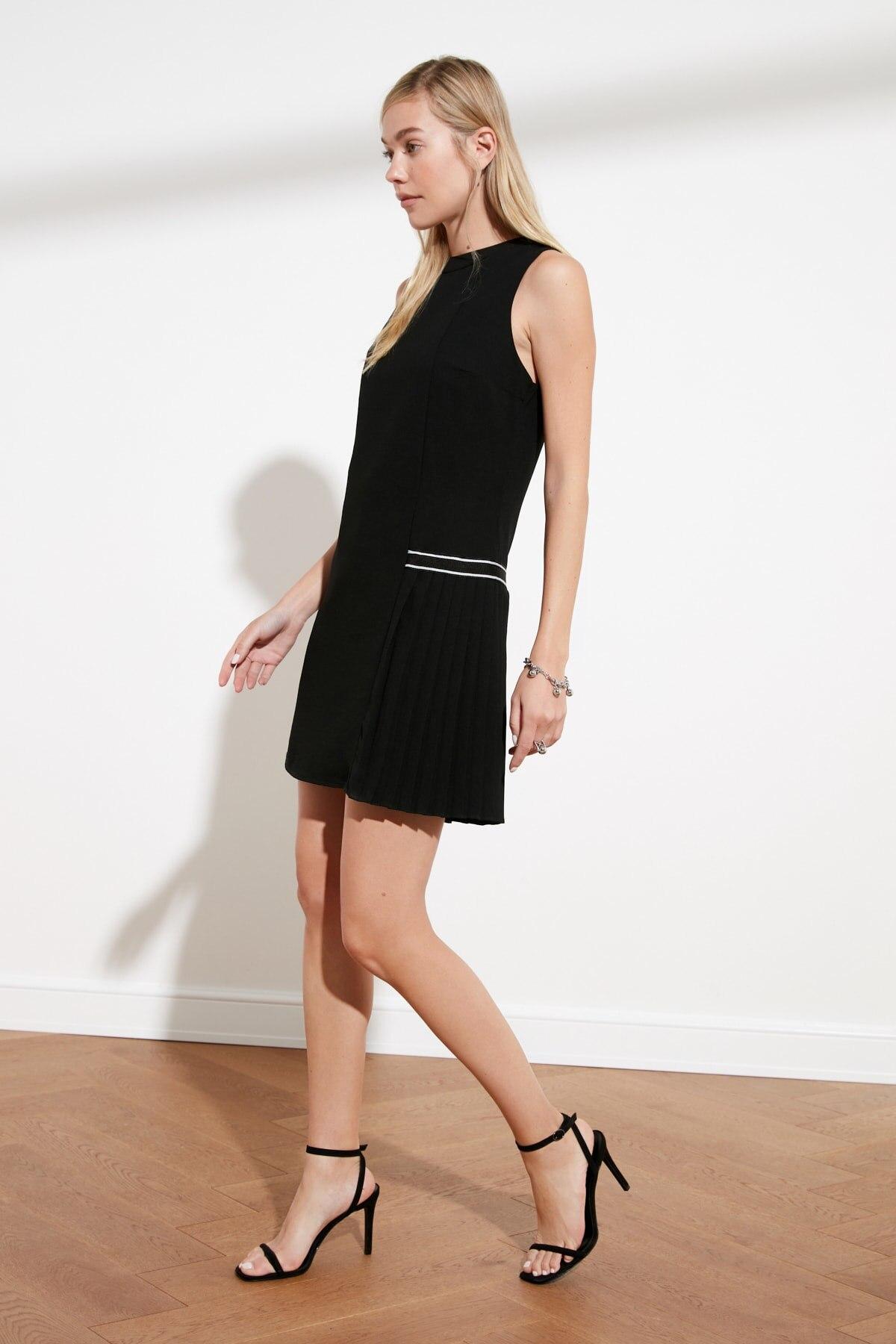 Trendyol Pleated Knitwear Tape Detailed Dress TWOSS21EL1026