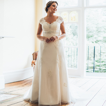 Elegant V-neck Lace Wedding Dresses Plus Size Cap Sleeve Beading Sashes A-line Dress Robe De Mariee - discount item  45% OFF Wedding Dresses
