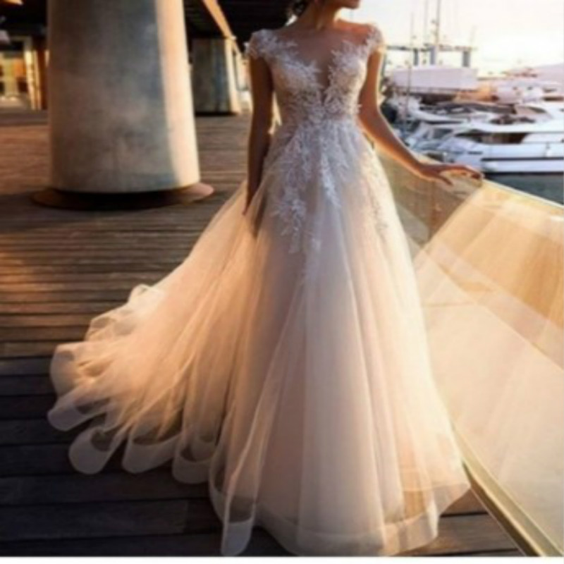 1PCS European And American Sexy Lace Perspective Dress Wish Round Collar White Wedding Gown Gown Wendding Dress 2019