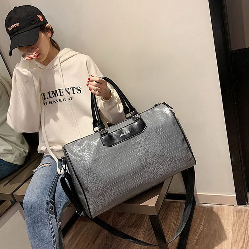 Crocodile Travel Bag For Women Handbag PU Leather Duffle Bags Female Shoulder Gym Bag Yoga Large Sports Bag New HMB743