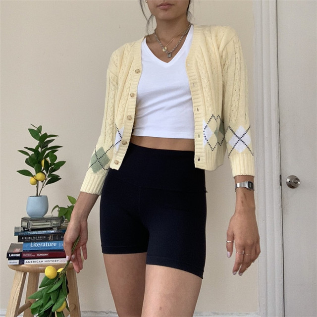 Cropped Knitted Cardigan in cream