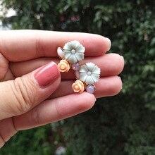 Wholesale New Korean Style Resin Flower Earrings Simple Sweet Rose Stud Temperament Bridal Jewelry Gifts Girls