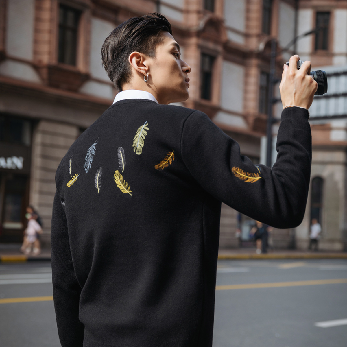 Men Slim O Neck Knitted Sweater Mens Feathers Embroidery Coats Male Casual Pullover Black Sweater Jacket