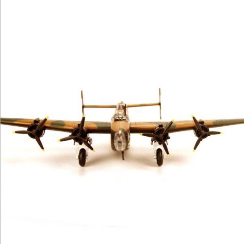 Good quality and cheap aircraft 1:144 in Store ICLA