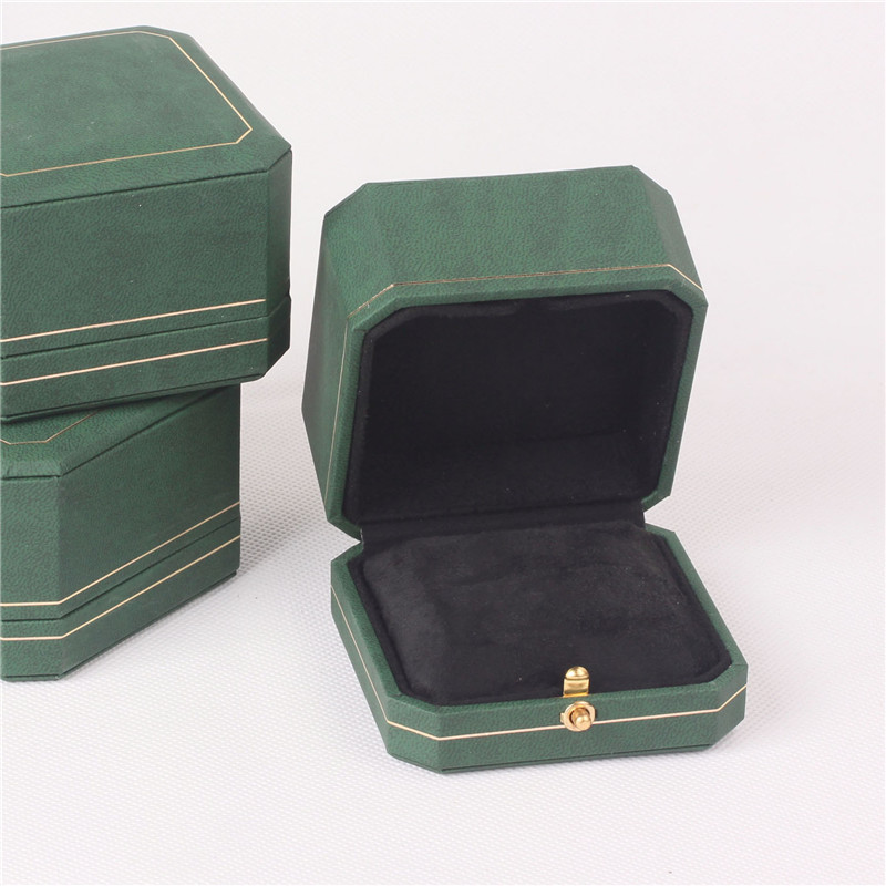 7.5*7.5*5.4cm  Green Color Octagonal Jewelry Packing Boxes With Golden Sideline Ring Cases With Spring Buckle  Pendant Casket