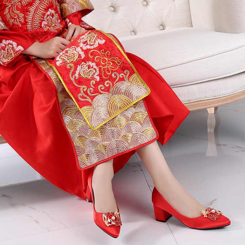 Chinese Style Marriage Shoes Man-made Diamond Chunky High Heel Pointed Xiu Shoes Bridal Shoes Wedding Shoes Red Shoes Cheongsam