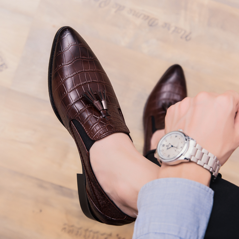 Italian Dress Shoes Man Tassel Loafers Leather Business Suit Shoes Pointed Toe Formal Oxfords Man Wedding Shoe Moccasins For Men image