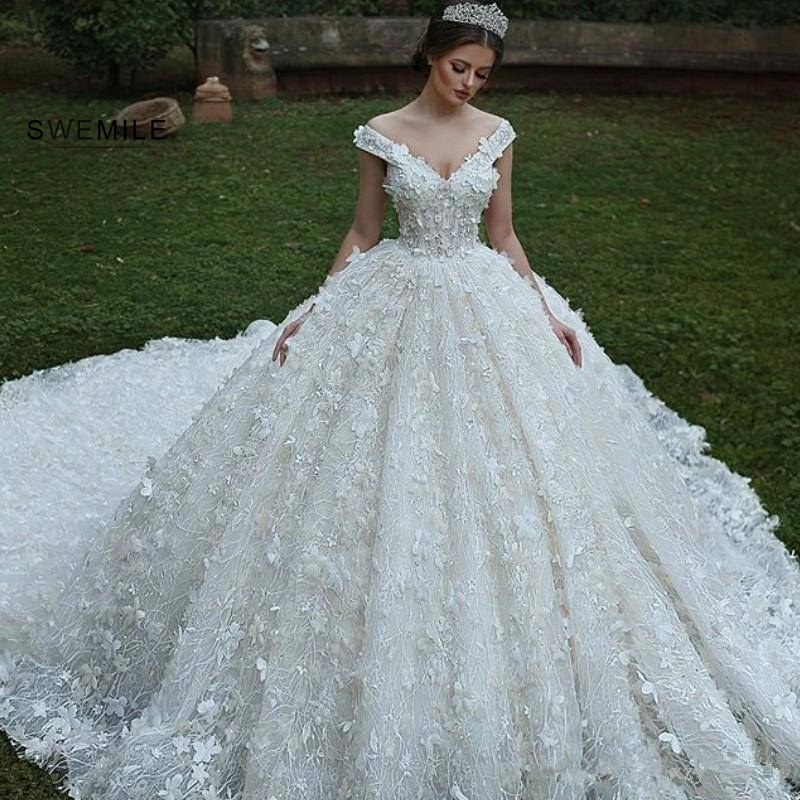 Stunning Flowers Long Wedding Dresses 2020 Elegant White Off The Shoulder V-Neck Wedding Gowns Super Chapel Train Bride Dresses
