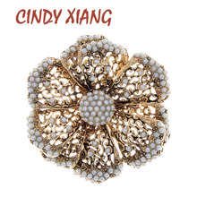 CINDY XIANG Vintage Pearl Flower Brooches For Women Wedding Brooch Pin 2 Colors Avaible Fashion Jewelry Hollow-out Pin Gift chic hollow out flower rhinestoned brooch for women