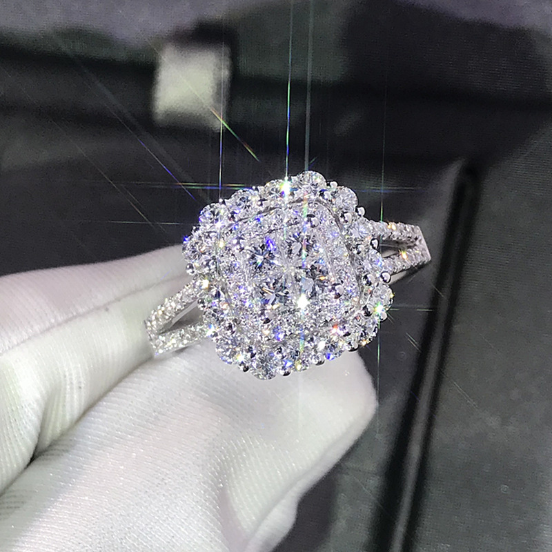 Luxury Sparkly Big Stone Zircon Silver Color Ring For Women Engagement Wedding Shiny Ring Party Jewelry Fashion Female 2019