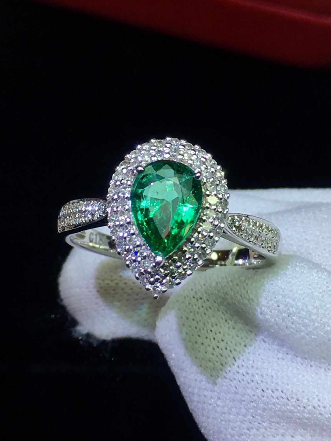 Fine Jewelry Real 18K White Gold 100% Natural Emerald 0.91ct Gemstone Diamonds Female Wedding Rings for women Fine Ring