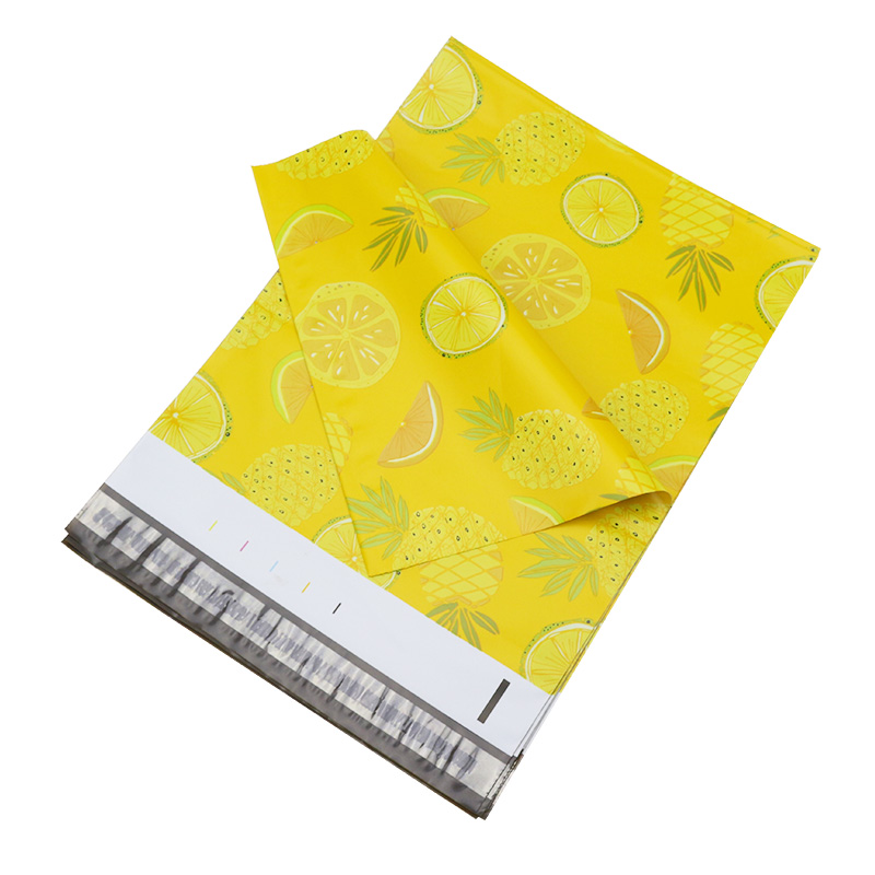 100pcs 25.5x33cm 10x13 Inch Yellow Fruit Pattern Poly Mailers Self-styled Plastic Envelope Bag / Snowman Pattern Gift Bags