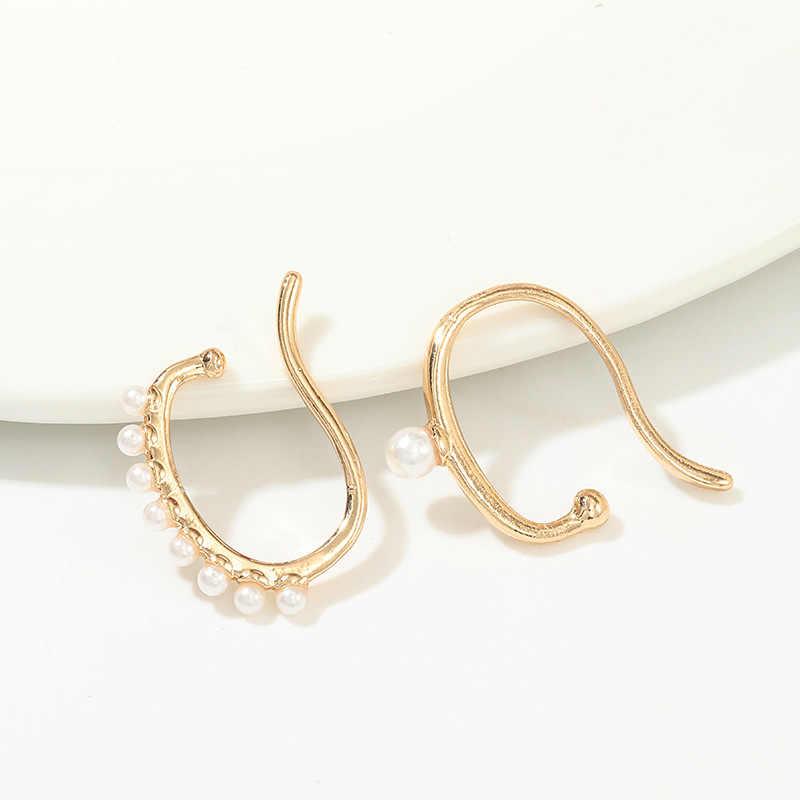 Doreenbeads Fashion Telinga Klip Anting-Anting untuk Wanita Aksesoris Emas Putih C Bentuk Imitasi Mutiara 28 Mm X 25 Mm, 1 Set (2 Buah)