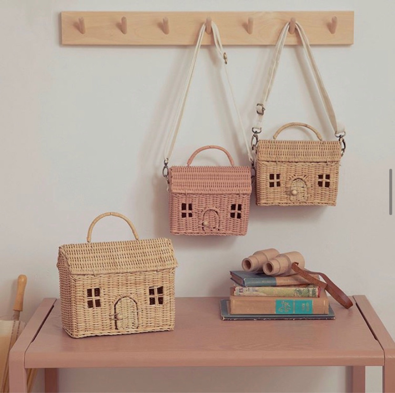 Nordic Style INS Fashion Handmade Rattan Vintage Storage Basket Kids Shoulder Bag House Shape Best Gift For Girls Children Decor
