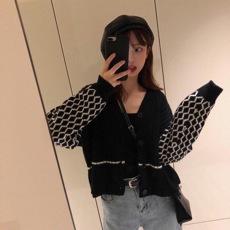 2019 Fall New Sweater Women V-neck Retro-stitched Retro-stitching Short-knit Cardigan V-Neck Cardigans Black