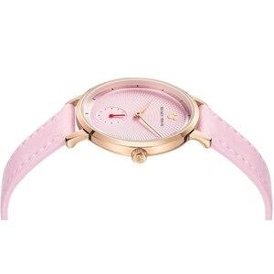 Image 3 - 2020 جديد فاخر المرأة الموضة العصرية ساعة اليد الإناث ديزني ساعة كوارتز جلد امرأة الساعات سيدة بنات هدية ميكي ساعة