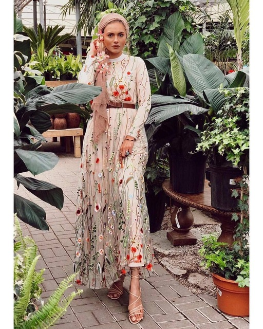 Dubai Sweet Floral Muslim Dress Women Embroidery Flower Big Swing A line Long Dress Lace up Islamic Clothing Maxi Hijab Dresses