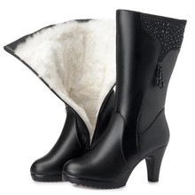 جديد أزياء الشتاء الدافئ الأحذية الشرابة حجر الراين حقيقية أحذية من الجلد النساء أحذية عالية الكعب أفخم/الصوف الأحذية حذاء الثلج عالي الرقبة دافئ