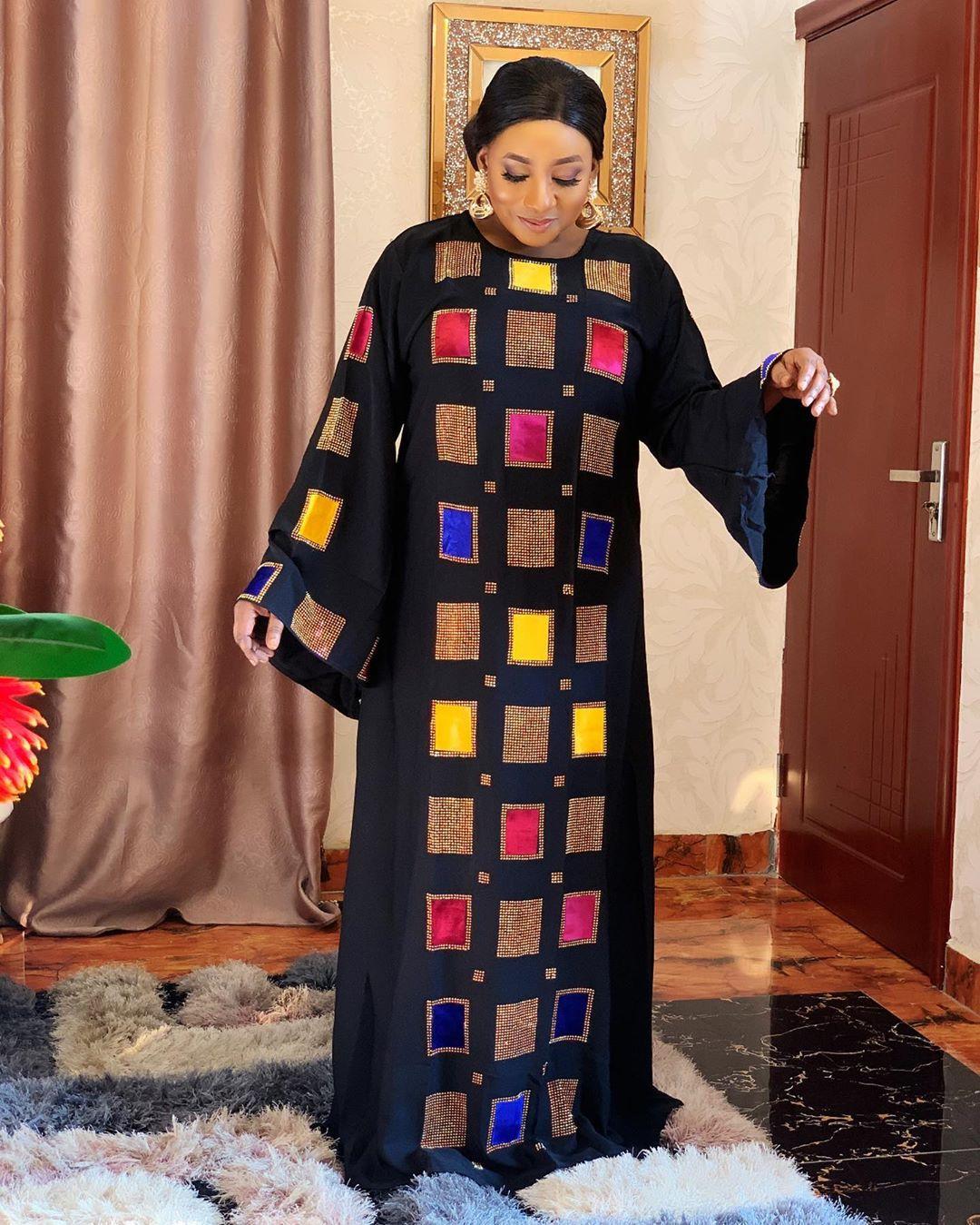 Femme Robe approvisionnement transfrontalier femmes africaines vente chaude grand col rond géométrique forage à chaud cloche manches Robe Vestido