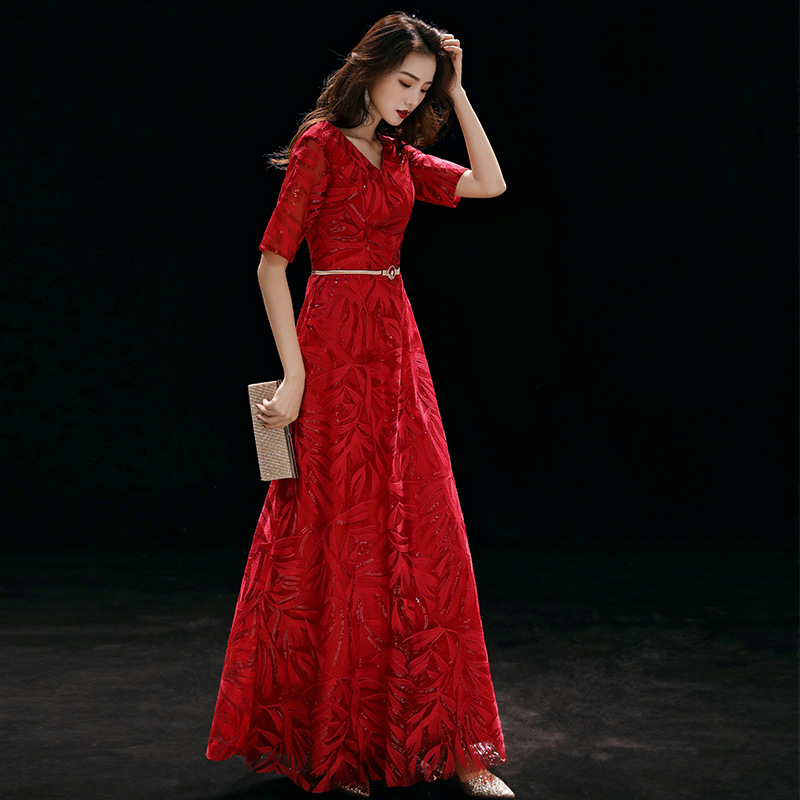 It's Yiiya Lace Evening Dresses Shiny Sequined Formal Dress Women Elegant V-Neck Half Sleeve Plus Size Evening Vestidos K251