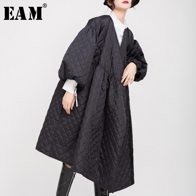 [EAM]  V collar Black Bandage Cotton padded Coat Lantern Sleeve Loose Fit Women Parkas Fashion Tide New Spring Autumn 2020 1D700