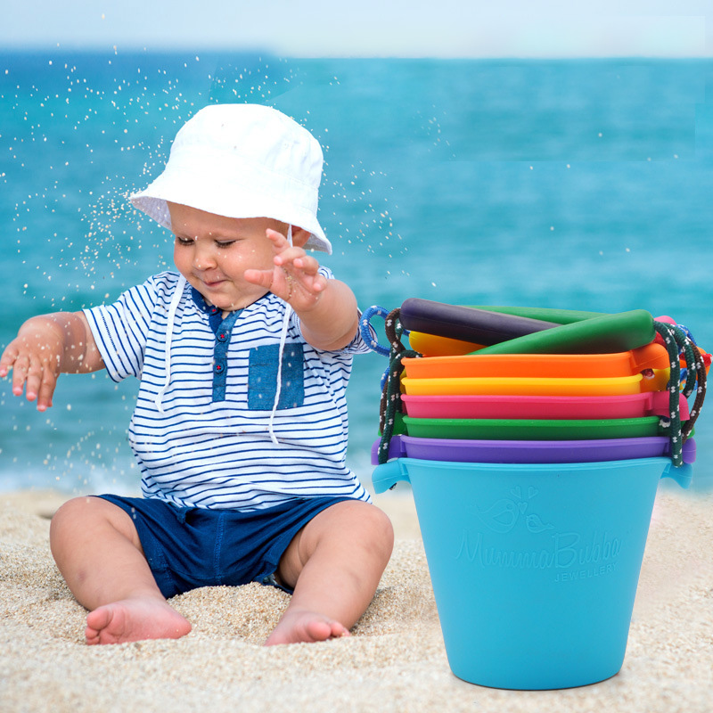 Beach Bucket Silicone Folding Handheld Barrel Toys Beach Buckets For Kids Baby Kids Shower Bath Toy Water Spraying Tool C