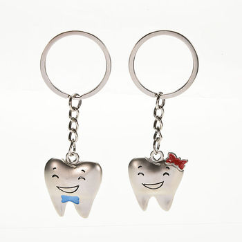 1Pair=2Pcs Cartoon Teeth Keychain Dentist Decoration Key Chains Stainless Steel Tooth Model Shape Dental Clinic Gift image
