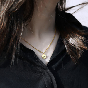 Mini 26 Initial A-Z Round Alphabet Pendant Necklace for Women Men Simple Stainless Steel Rolo Cable Chain Jewelry Gifts DN170A