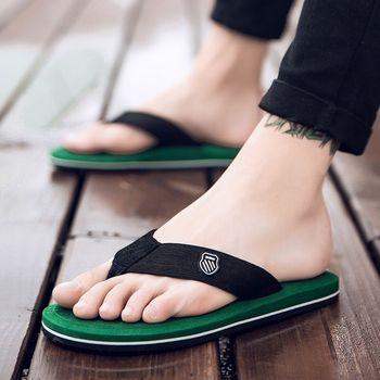 Cresfimix Chanclas De Hombres Men Fashion Light Weight Green Beach Flip Flops Male Casual Street & Home Flip Flops B6028