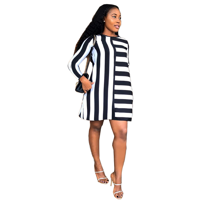 Black White Stripes Plus Size T Shirt Dress Women Round Neck Long Sleeve Mini Causal Dress Autumn 2019 Loose Short Dress Vestido