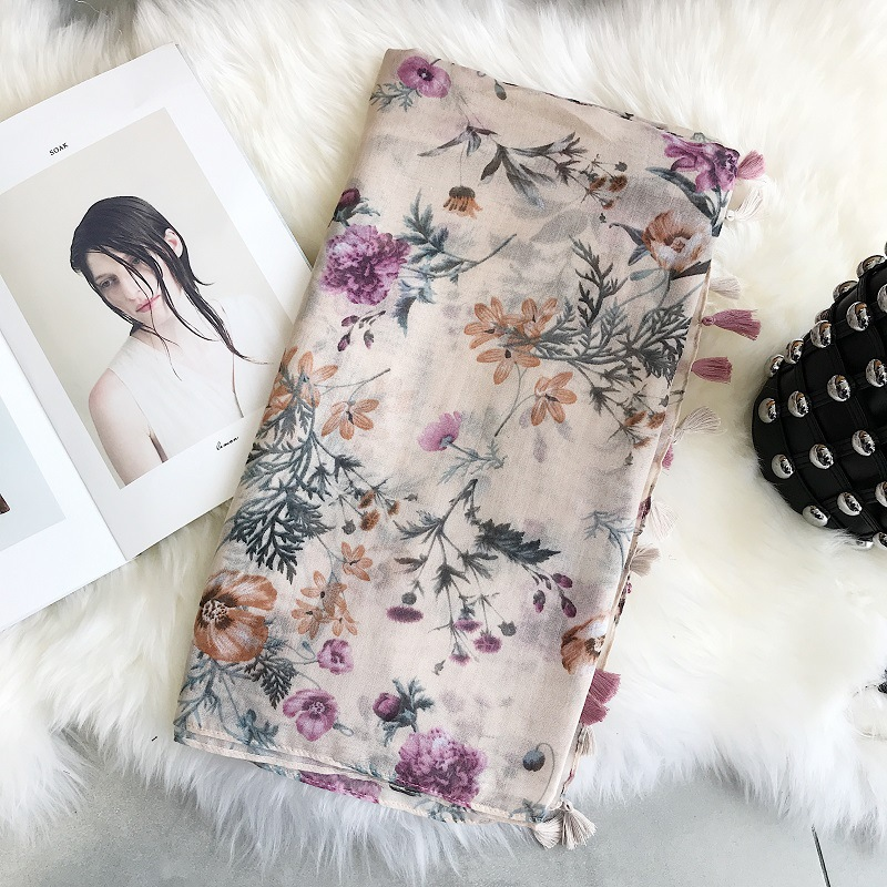 2020 Fashion New Silk Scarves Shred Printed Scarves Khaki Red Printed Silk Scarves Shoulders Spring And Summer