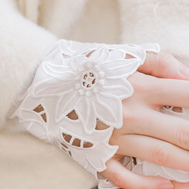 2pcs/pair Women Girl Fake Cuff Delicate Crotchet Floral Lace Cutout Wrist Decor LX9E