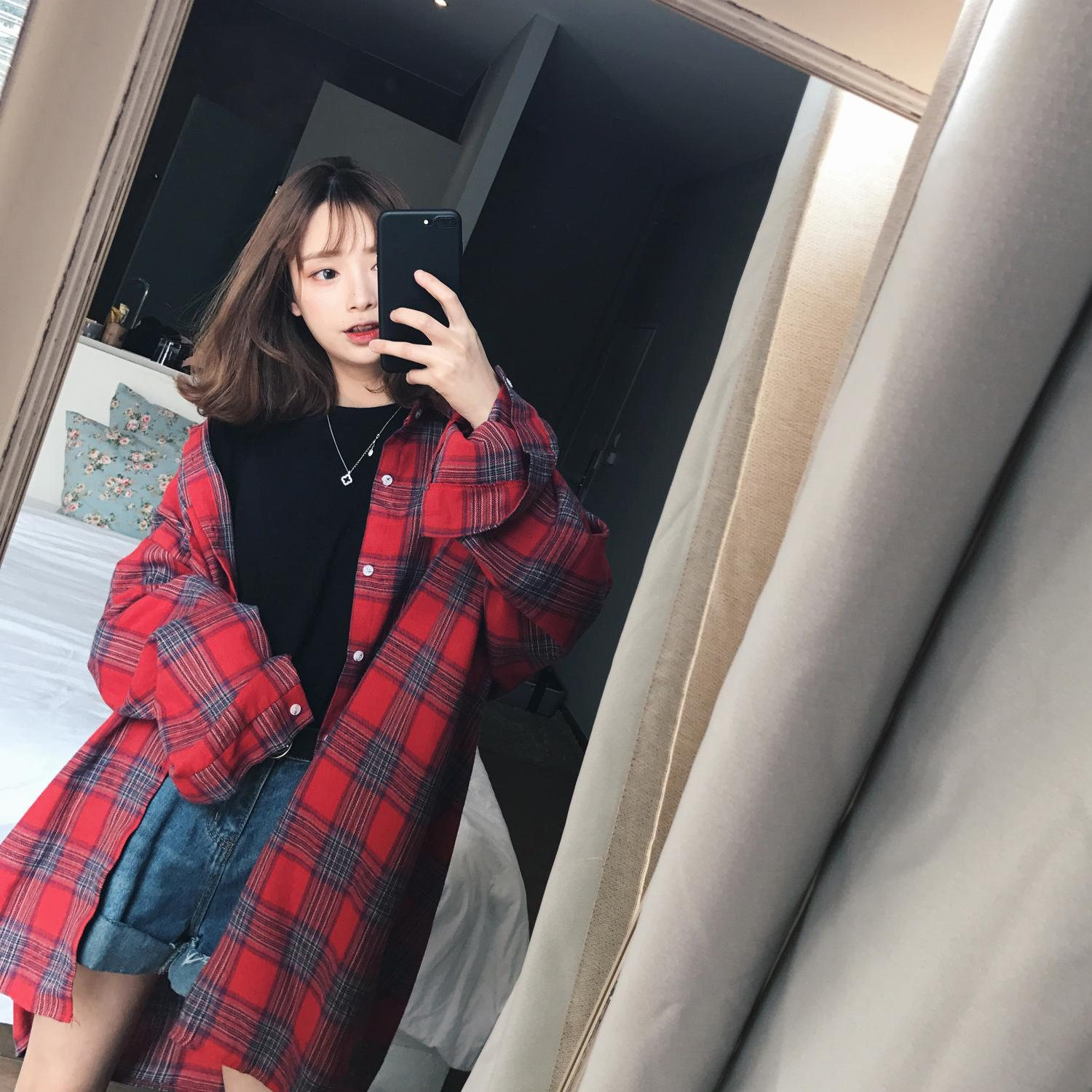 2020 spring new dress long section plaid shirt women's shirt jacket Han Fan loose port wind long-sleeved shirt coat women