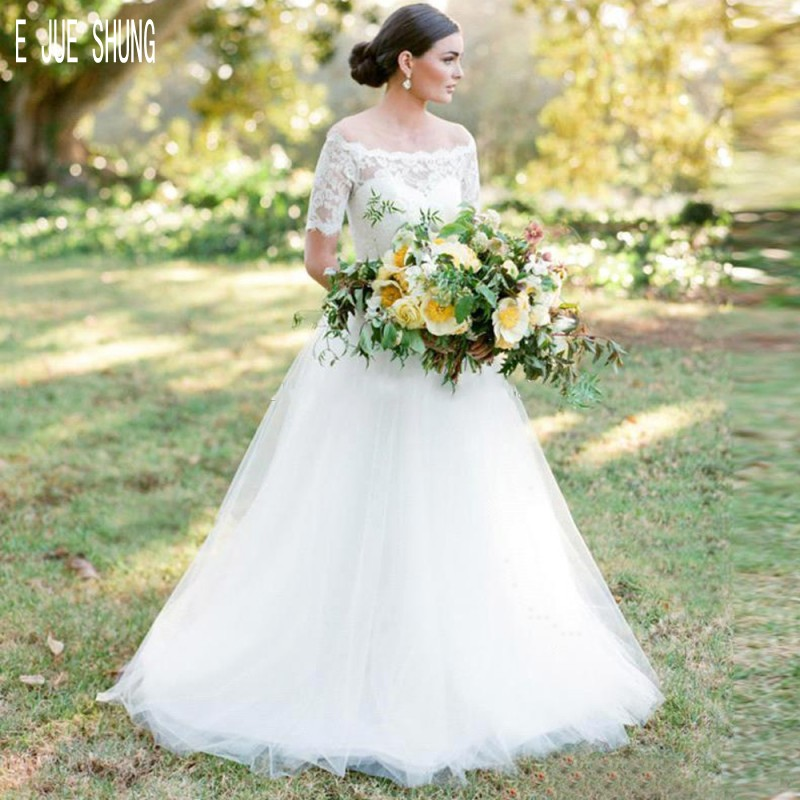 E JUE SHUNG White Country Wedding Dresses Off the Shoulder Short Sleeves Button Back Lace Wedding Gowns Tulle vestido de noiva