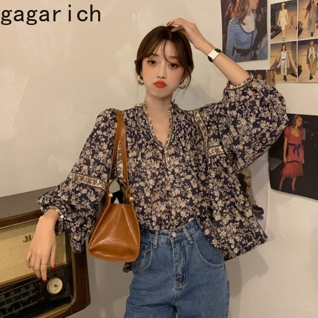 Gagarich Women Shirts 2021 Spring Autumn Korean Vintage Elegant Female Lantern Sleeve V-Neck Flower Printed Design Blouses 2