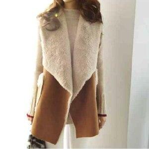 Image 2 - TWOTWINSTYLE Koreaanse Lam Wollen Vest Jassen Vrouwelijke Mouwloze Revers Kraag Casual Jas Voor Vrouwen Plus Dikke 2019 Winter Mode