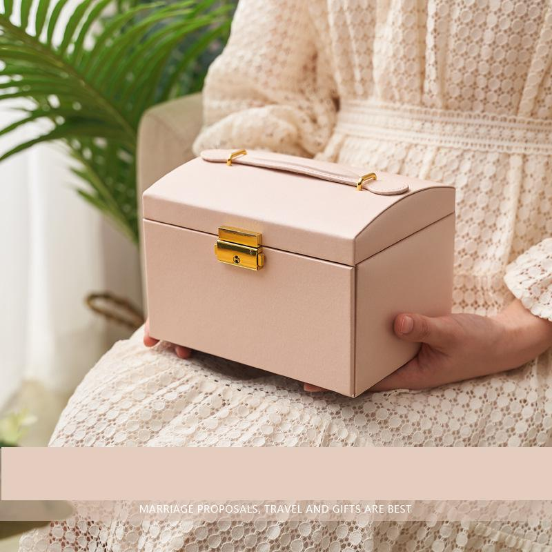 Vintage Style High Quality 3 Layers Large Space PU Jewelry Box Hot Selling With Lock Hand Storage Boxes Jewelry Display Stand