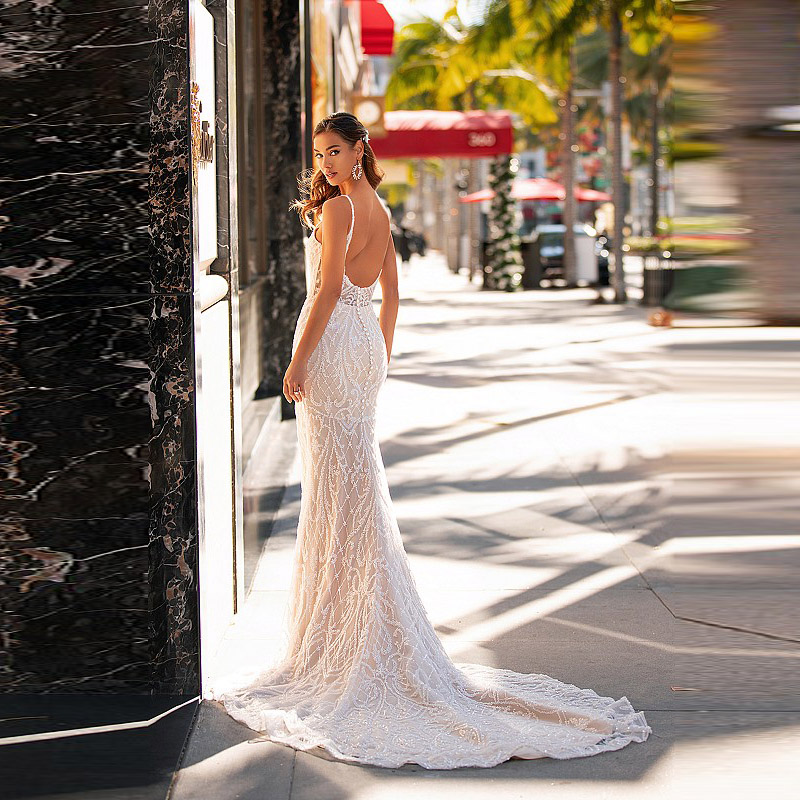 New Arrival Elegant Lace Mermaid Open Back Bridal Wedding Gowns Sleeveless Plunge V Neckline Wedding Dresses for Bride On Sale