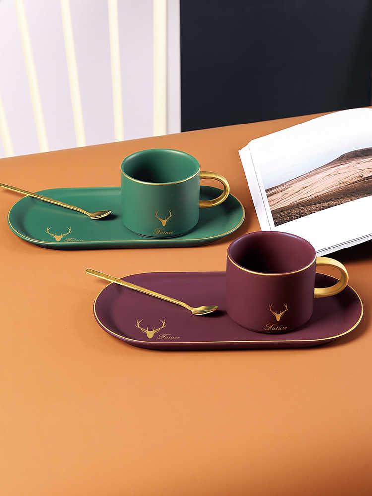 Europeu de luxo ouro borda cerâmica copos de café e discos colher conjuntos com caixa presente chá soja leite café da manhã canecas sobremesa placa