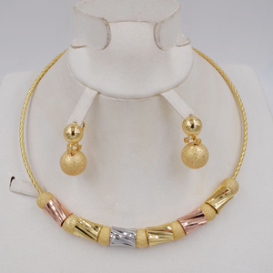 Image 1 - Hoge Kwaliteit Ltaly 750 Goud kleur Sieraden Voor Vrouwen afrikaanse kralen jewlery mode ketting set oorbel sieraden