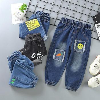 Dziecięce jednolite jeansy spodnie spodnie chłopięce dziewczęce spodnie dżinsowe chłopięce dżinsy jesienne zimowe dziecięce jeansy długie spodnie odzież moda tanie i dobre opinie Na co dzień CN (pochodzenie) Pasuje prawda na wymiar weź swój normalny rozmiar Elastyczny pas Unisex Drukuj Luźne Medium