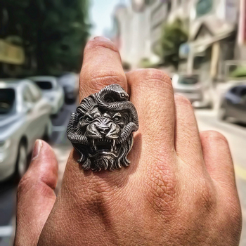 Bague lion serpent